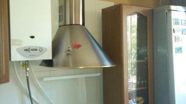 Продам 3-комнатную =сталинку= на 1-ой горбольнице в кирпичном доме в идеальном состоянии! Поменяна вся электропроводка.