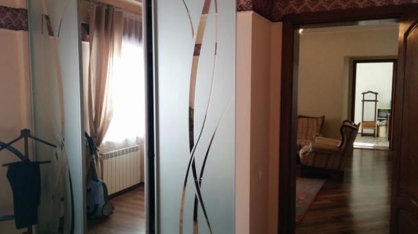 Шикарная 3-х комнатная сталинка с автономным отоплением на Соцгороде!