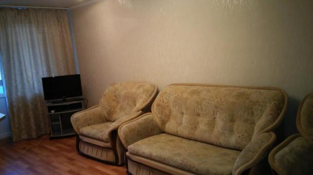Сдается, посуточно 2-х комнатная комфортабельная квартира 95 квартал. Шесть спальных мест.