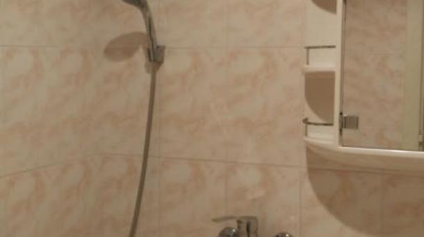 Продам 2-х комнатную квартиру по ул.Революционная