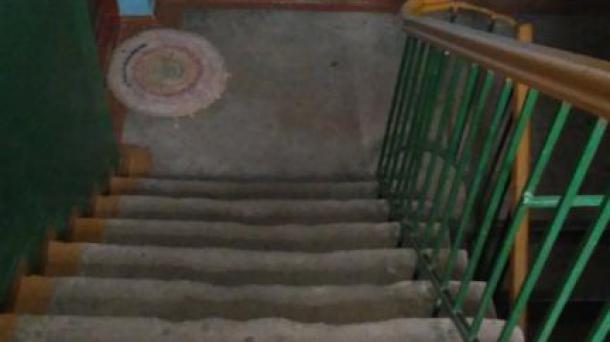 Продам 3 комнатную квартиру на Прудах (Сталинка)