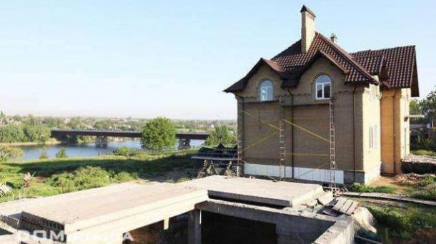 Продам Дом 210 м² у реки Ингулец в с.Лозоватка