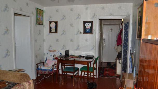 Двухкомнатная квартира-брежневка на Соц городе.