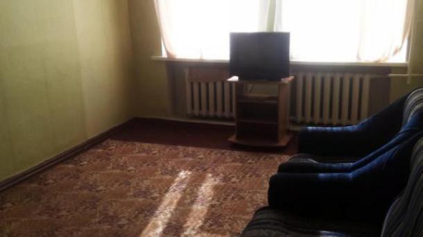 Продам 2-х комнатную квартиру по пр-ту Гагарина.