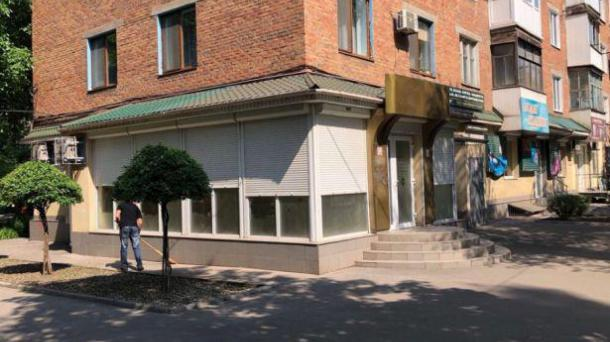 Сдам магазин  в районе перекрестка Гагарина-Галенко, 160м2