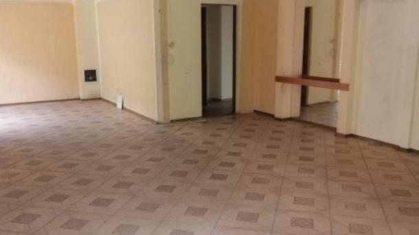 Сдается в аренду встроенное нежилое помещение